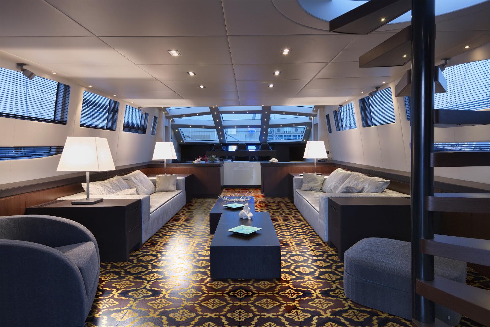 Godivas-09-yacht